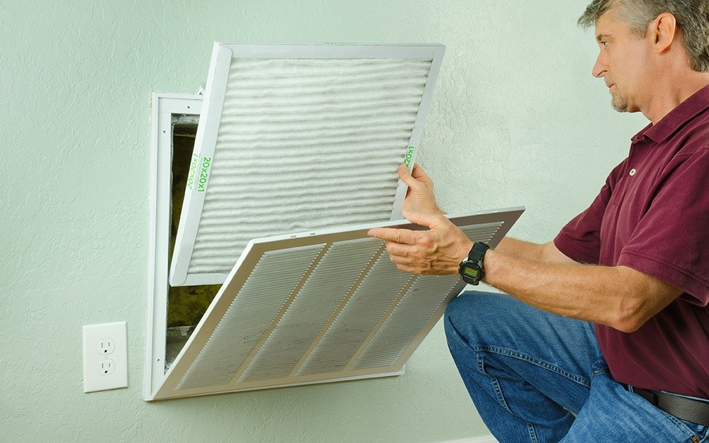 how to change an air filter step 2